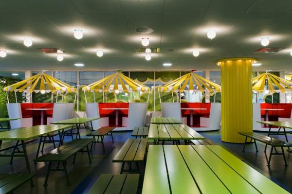 colorful office design (19).jpg