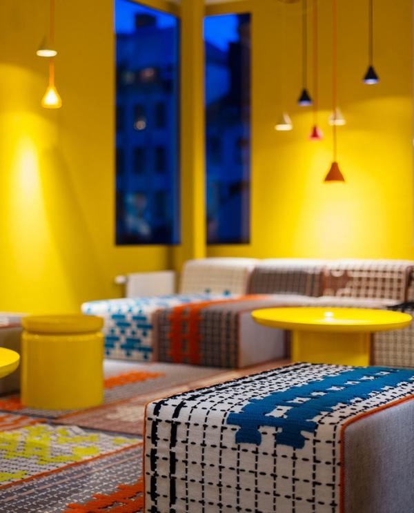 colorful office design (2).jpg