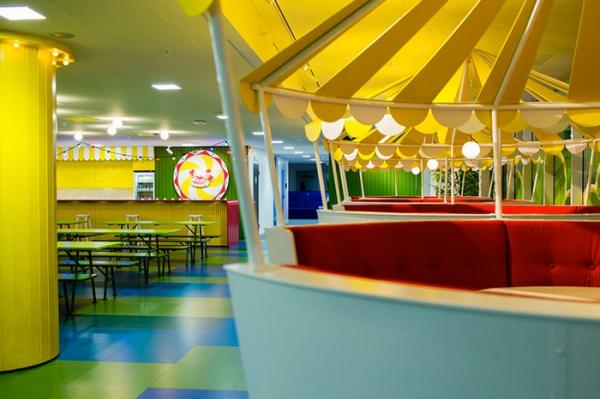colorful office design (20).jpg