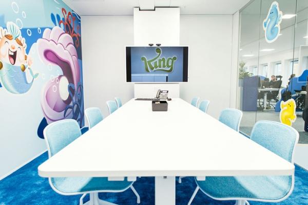 colorful office design (7).jpg