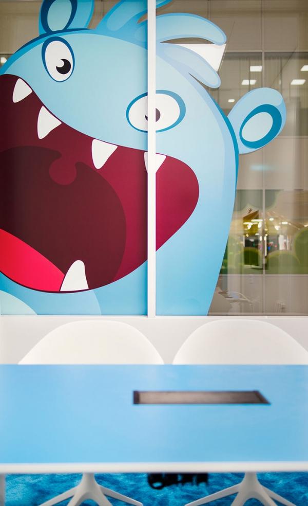 colorful office design (9).jpg