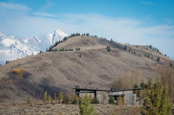 The J.H. modern mountain residence (1).jpg