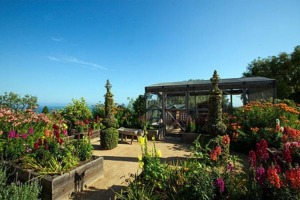 The Malibu house a Tuscan romance revived (18)