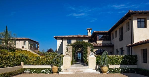 The Malibu house a Tuscan romance revived (2)