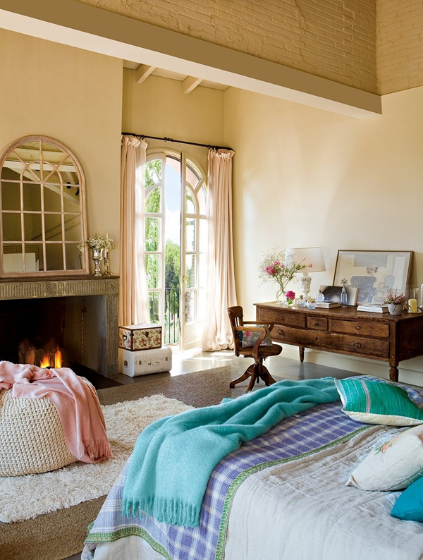 the-play-of-light-and-air-inside-this-gorgeous-bedroom-6