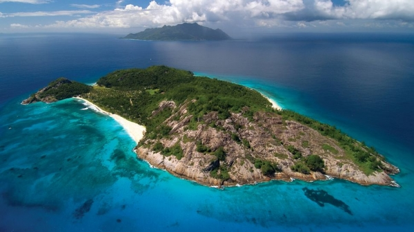 the-superb-north-island-lodge-on-the-seychelles-18