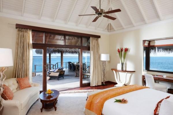 the-surreal-taj-exotica-resort-in-the-maldives-12
