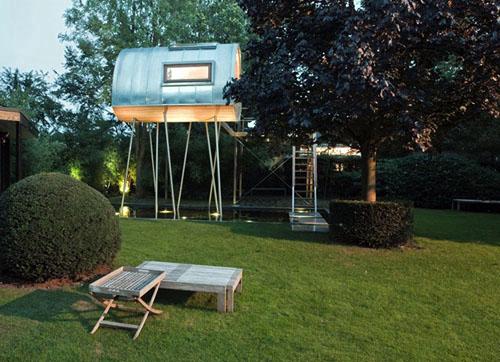 amazing-tree-house-2
