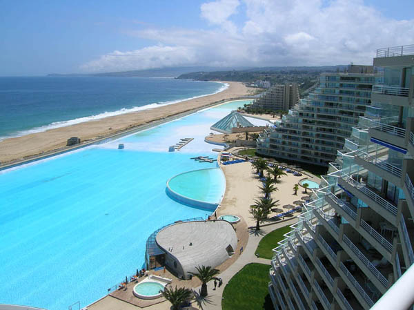 the-largest-and-most-impressive-swimming-pool-9