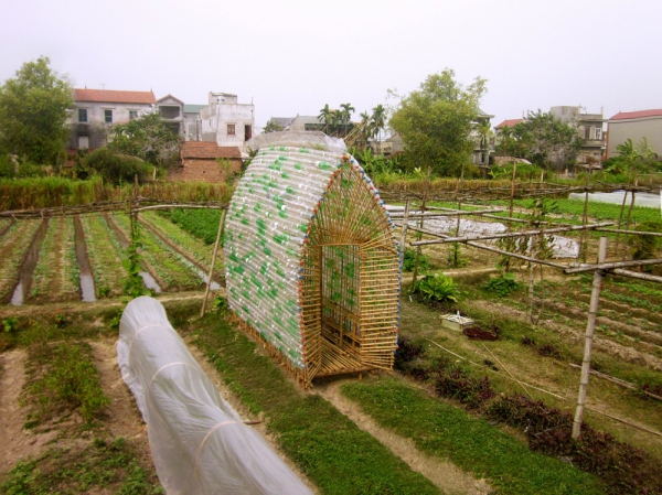 Think Sustainable With This Vegetable Nursery House