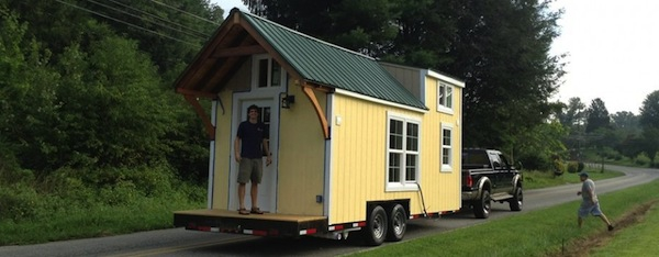 This adorably tiny home is surprisingly spacious (15)