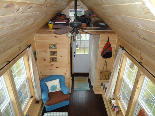 This adorably tiny home is surprisingly spacious (3)