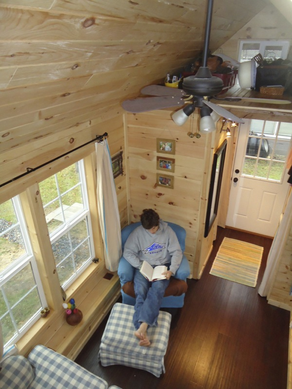This adorably tiny home is surprisingly spacious (4)