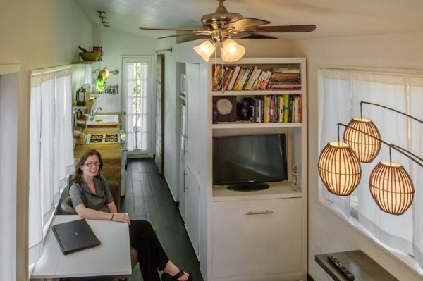 tiny-house-from-recycled-materials-3