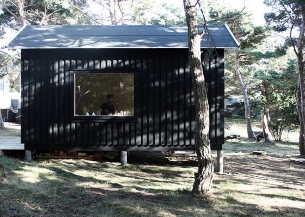tiny-house-on-an-island-1