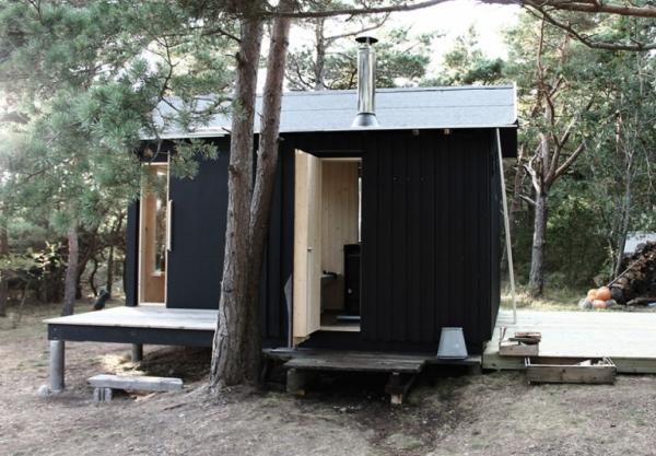 tiny-house-on-an-island-4