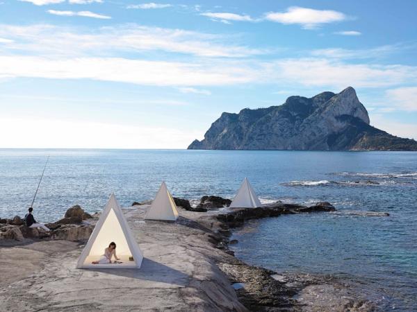 Tipi inspired pyramid shaped tents (2).jpg