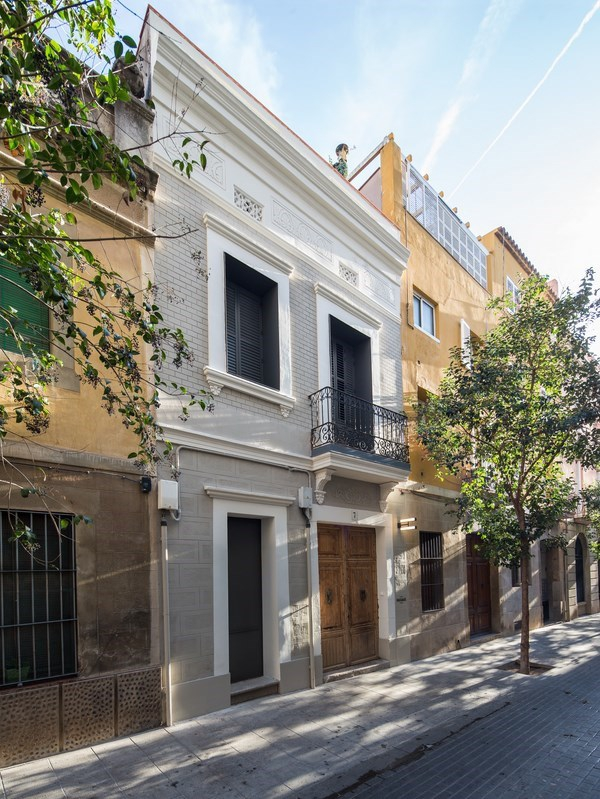Traditional building renovation by Torres Baldasano (1)