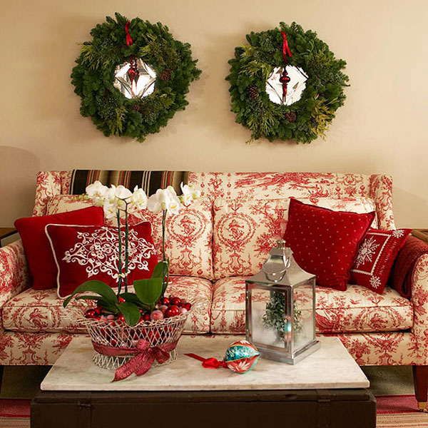 Traditional christmas decor in red and green adorable home for Red and green christmas decorations