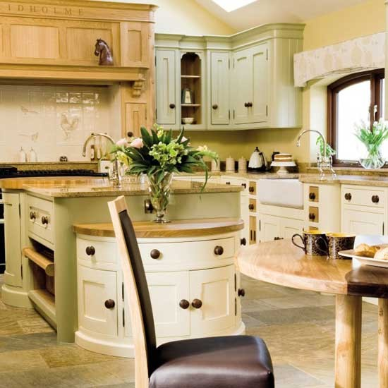 traditional-wooden-kitchens-7