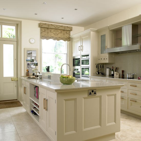 traditional-wooden-kitchens-9