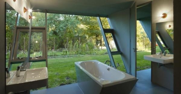 transparent-bathroom-designs-7