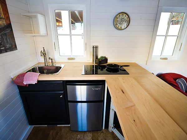 Tread lightly on the earth with 4 great tiny homes (5)