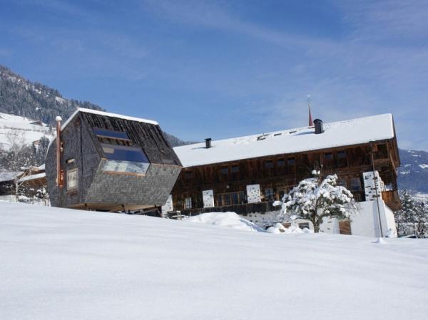 ufogel-an-idyllic-winter-guest-house-1