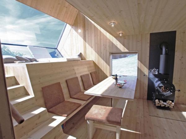 ufogel-an-idyllic-winter-guest-house-5