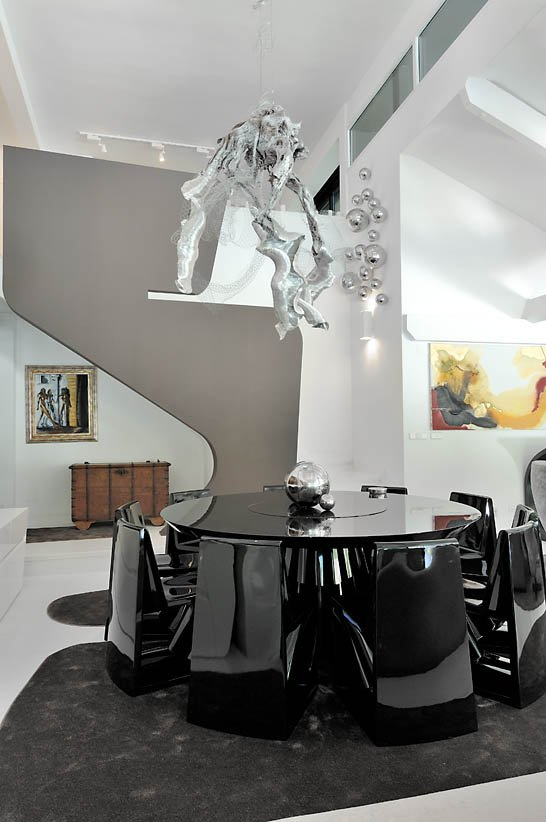 ultra-modern-interior-featuring-futuristic-architecture-11