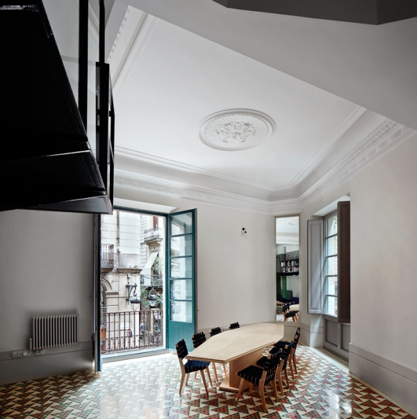 Unique apartment architecture in Spain (4)