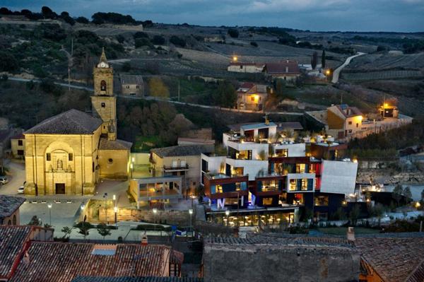 unique-architecture-of-the-spanish-viura-hotel-3
