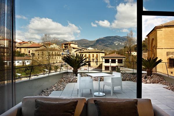 unique-architecture-of-the-spanish-viura-hotel-4