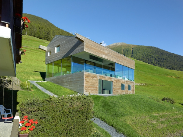 unique-country-house-with-endless-views-3