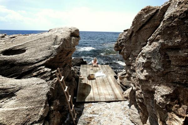 unique-hotel-by-the-sea-3