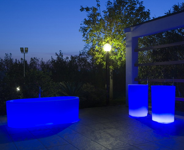 unique-illuminated-bathtubs-3