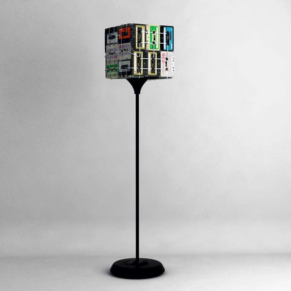 unique-lamp-made-from-cassettes-2