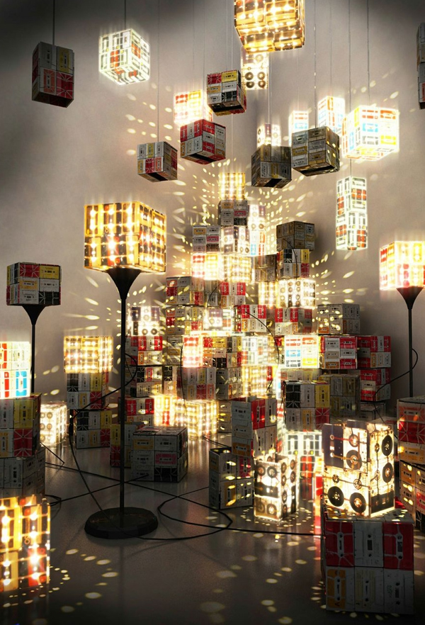 unique-lamp-made-from-cassettes-3