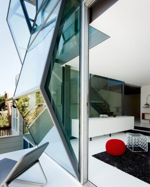 unusual-glass-facade-of-a-san-francisco-home-9