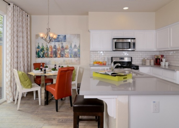 Vibrant and playful interior (4)