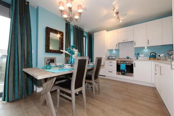 vibrant-central-london-apartment-3