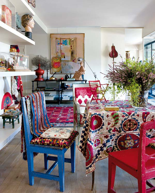 vibrant-prints-bring-this-apartment-to-life-1