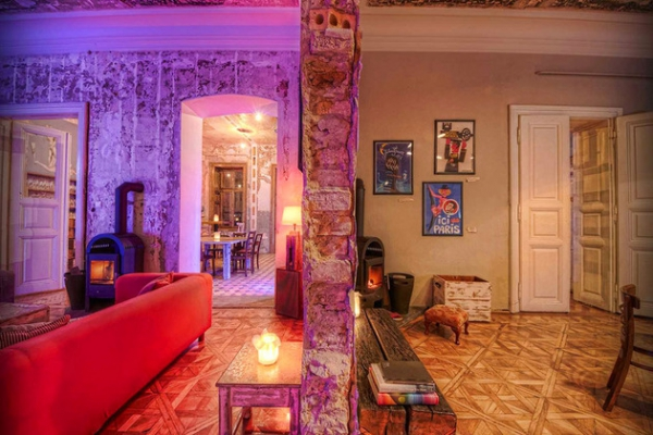 Vintage hotel steeped in history and style  (5)
