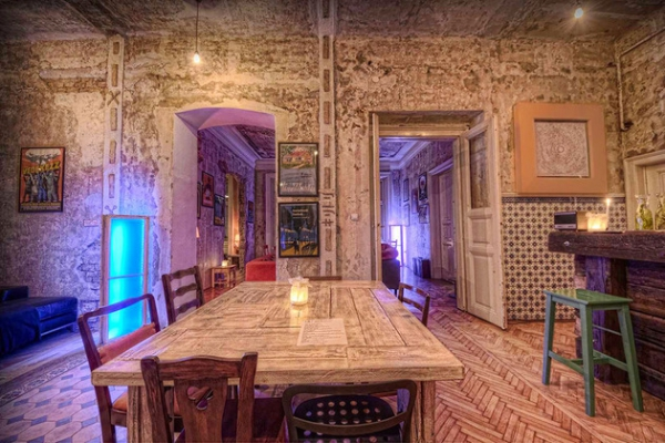 Vintage hotel steeped in history and style  (6)