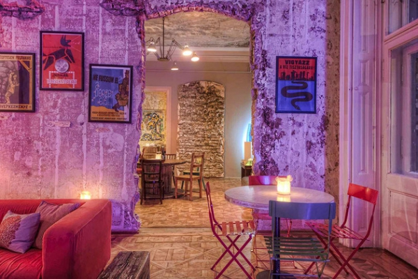 Vintage hotel steeped in history and style  (7)