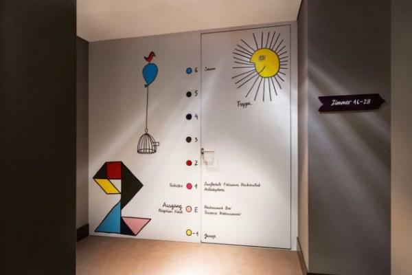 Vivid hotel design in Switzerland  (14)