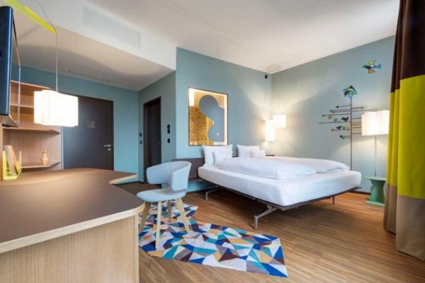 Vivid hotel design in Switzerland  (6)