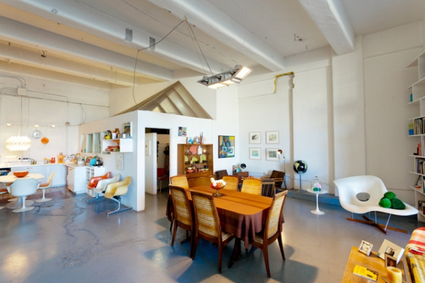 we-love-the-retro-furniture-in-this-open-plan-loft-2