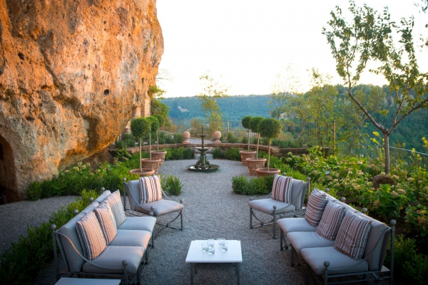 welcome-to-domus-civita-an-italian-vacation-home-11