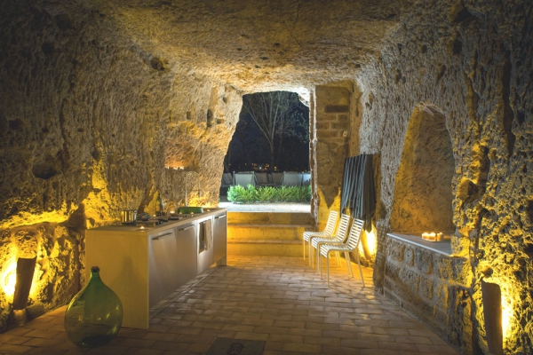welcome-to-domus-civita-an-italian-vacation-home-14